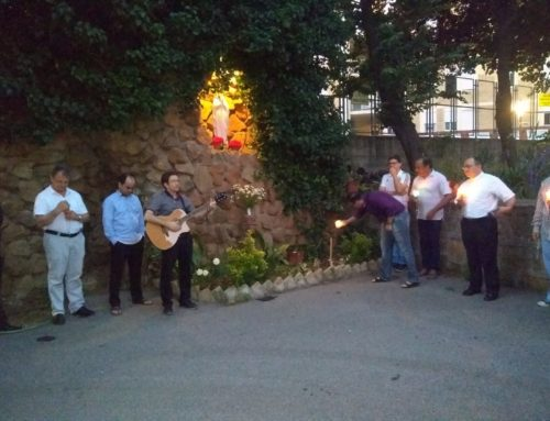 Comunidade do Colégio Pio Brasileiro encerra mês mariano