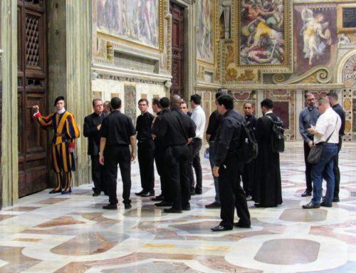 Comunidade realiza visita às Capelas Papais